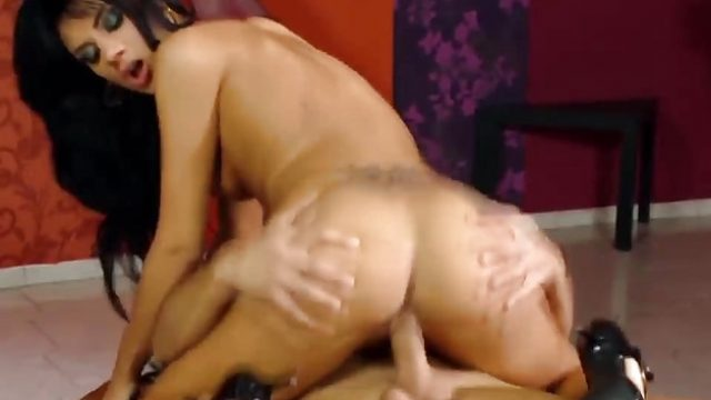 Milf gets her ass slammed