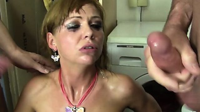 Reife Swinger – Hot MMF threesome with lusty mature German