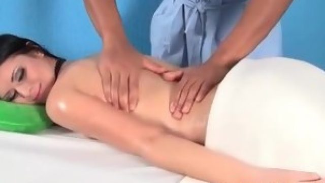 Massage of a horny brunette turned in a sex with bbc