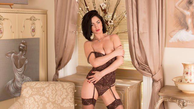Gorgeous milf in lingerie