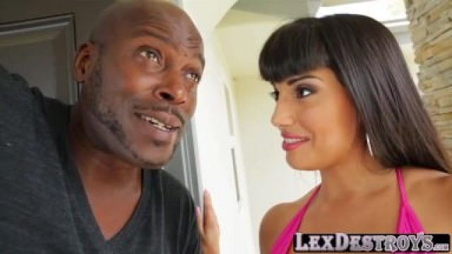 Huge tits latina Mercedes Carrera gets banged by Lexington Steele