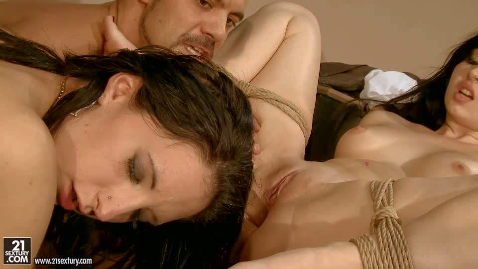 Gorgeous hottie Angell Summers enjoys in hardcore group sex session