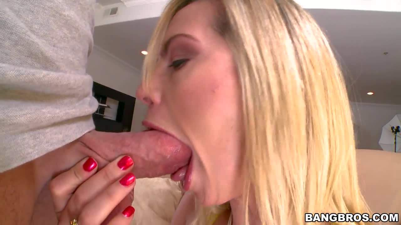 Pink pussy blonde Tara Lynn Fox with big natural tits