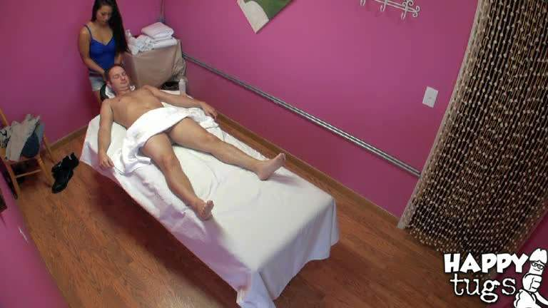 Asian doll Lana Violet is good at giving pleasure with