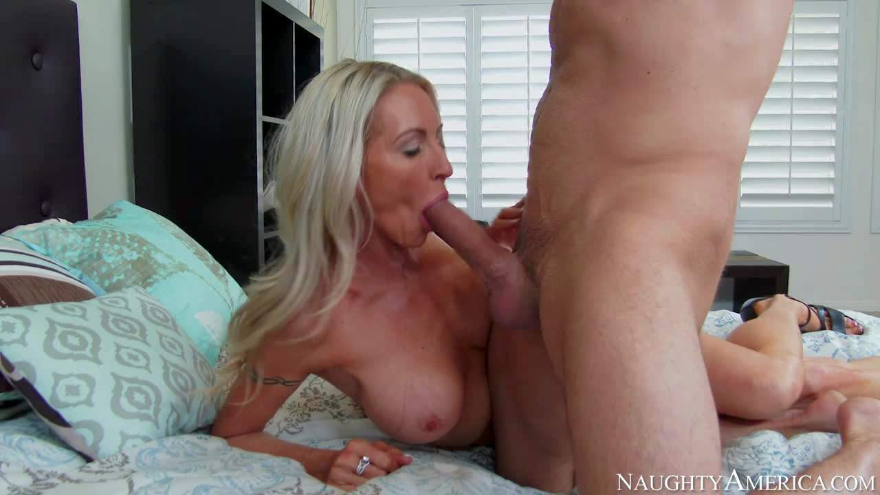 Emma Starr is s good looking mature blonde with incredibly