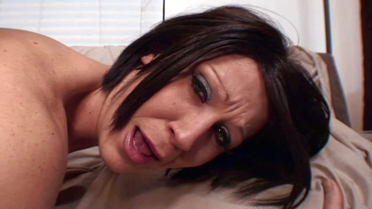 Gigantic black dick for horny milf Jami Kenney