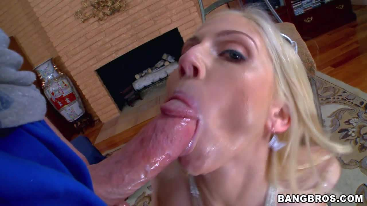 Big racked blondie Christie Stevens eats fat dick