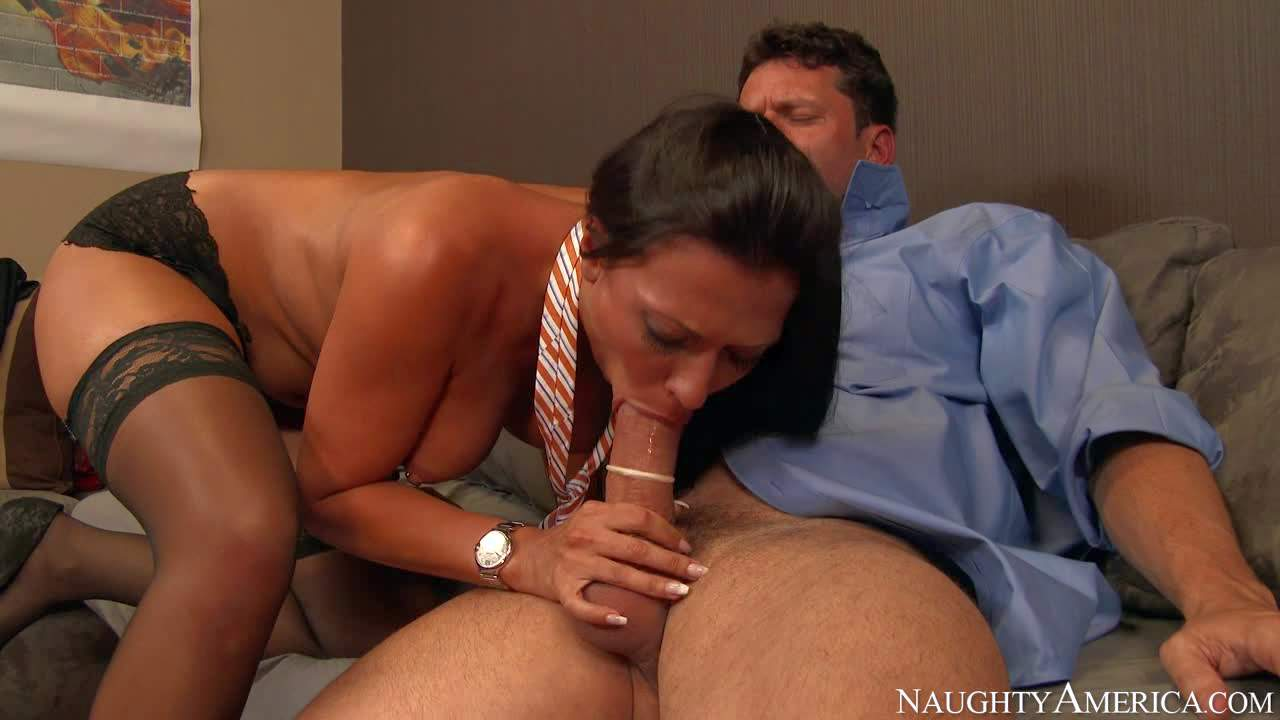 Sexy cock sucker Rachel Starr in nylons and high heels